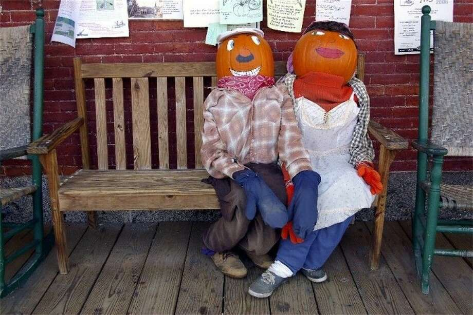 Big Stone Lodge in Spring will host a pumpkin decorating contest on Monday, Oct. 26.
