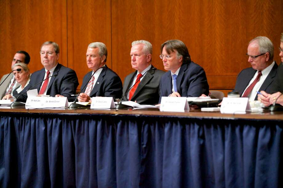 The Texas Task Force on Infectious Disease Preparedness and Response, under the direction of Dr. Brett P. Giroir, on Thursday held its first public hearing at the State Capitol. The hearing focused on preparedness for initial identification and isolation of patients - one of seven areas of concentration for the Task Force - and included invited testimony from witnesses representing professions and institutions involved in disease identification and response. Photo: Governor's Press Office