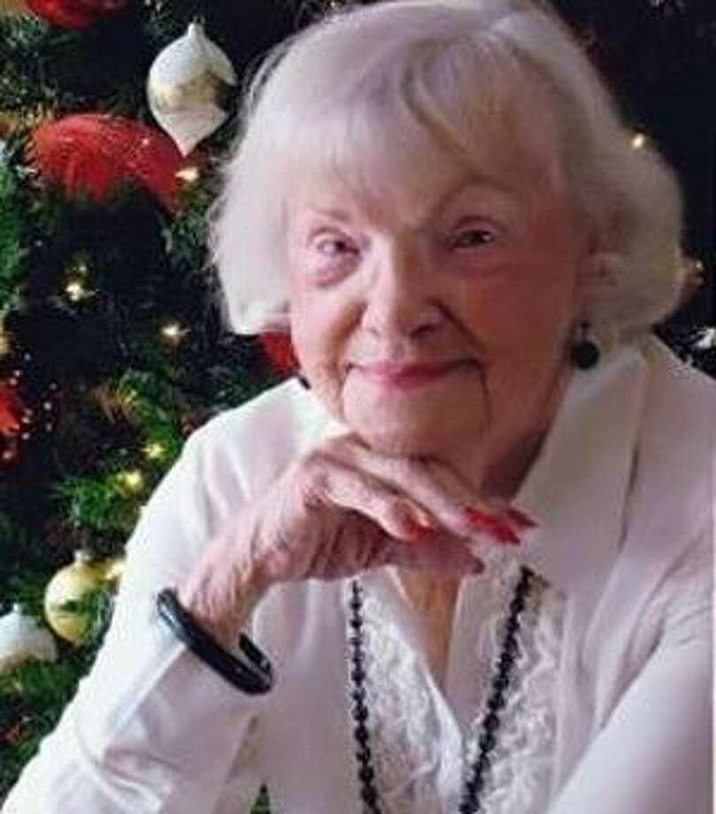 Knoles, Dorothy Lee