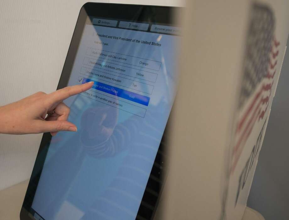 Rice University experts are helping design a new voting system that would make use of tablet computing technology to hold down costs and improve usability and security.