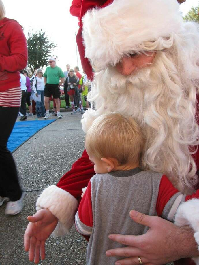 Houston Methodist St. John Hospital invites the community to join in the festivities at the 25th Annual Reindeer Run Kids K and 5K Run & Walk. More than 500 runners and walkers are expected to lace up on Saturday, December 5, 2015 to complete the 3.1 mile course that winds through the scenic Nassau Bay waterfront community.