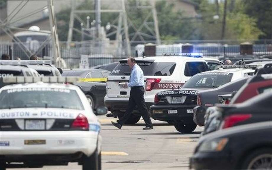 A student was killed and another person was wounded in a shooting outside a student-housing complex on Friday, and police have detained at least two people, authorities said. Photo: Cody Duty