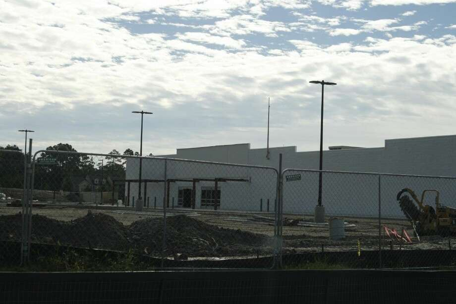 Wal-Mart will open a Neighborhood Market in the Eagle Springs area of Atascocita around January 2015.