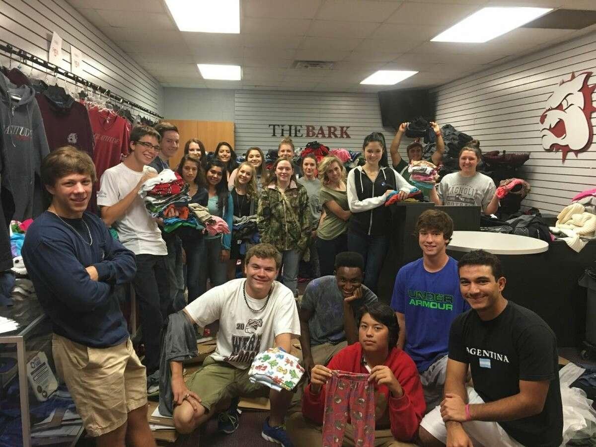 Magnolia High School DECA students.