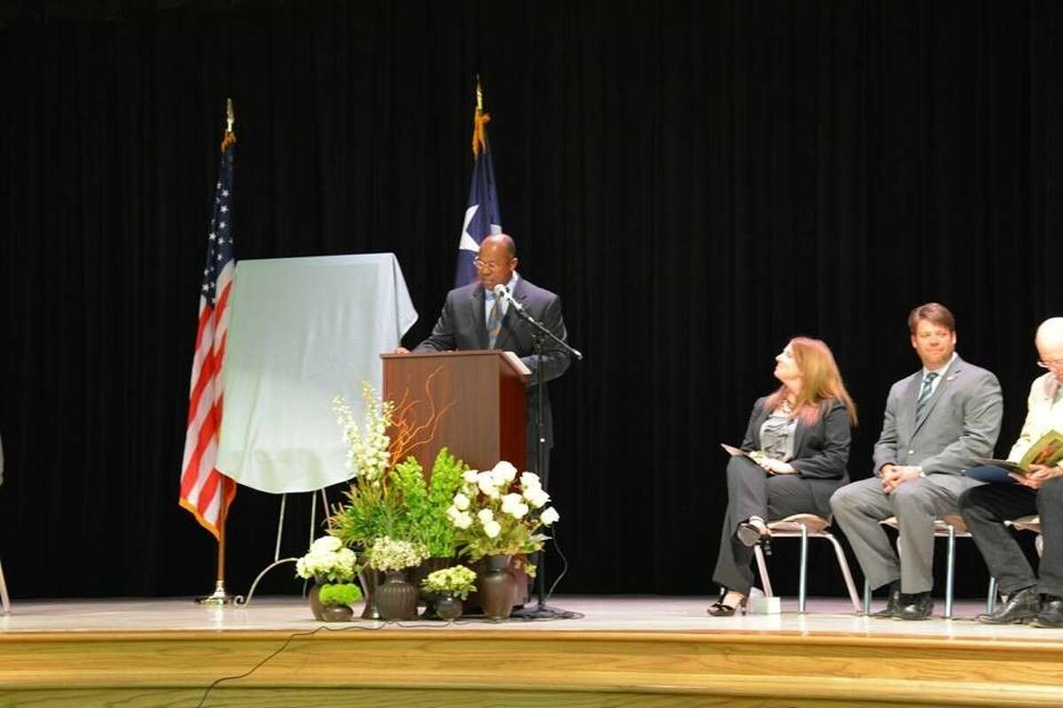 Superintendent Alton Frailey speaks at the dedication for Randolph Elementary School.