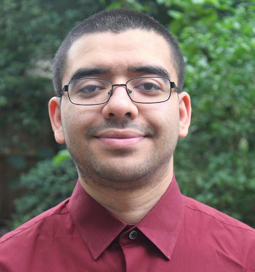 Life experiences showed Edwin Umanzor that furthering his education should be a top priority.