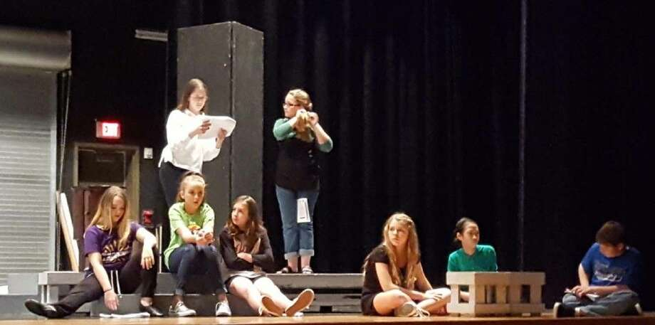 Friendswood Junior HIgh students prepare for the fall play.