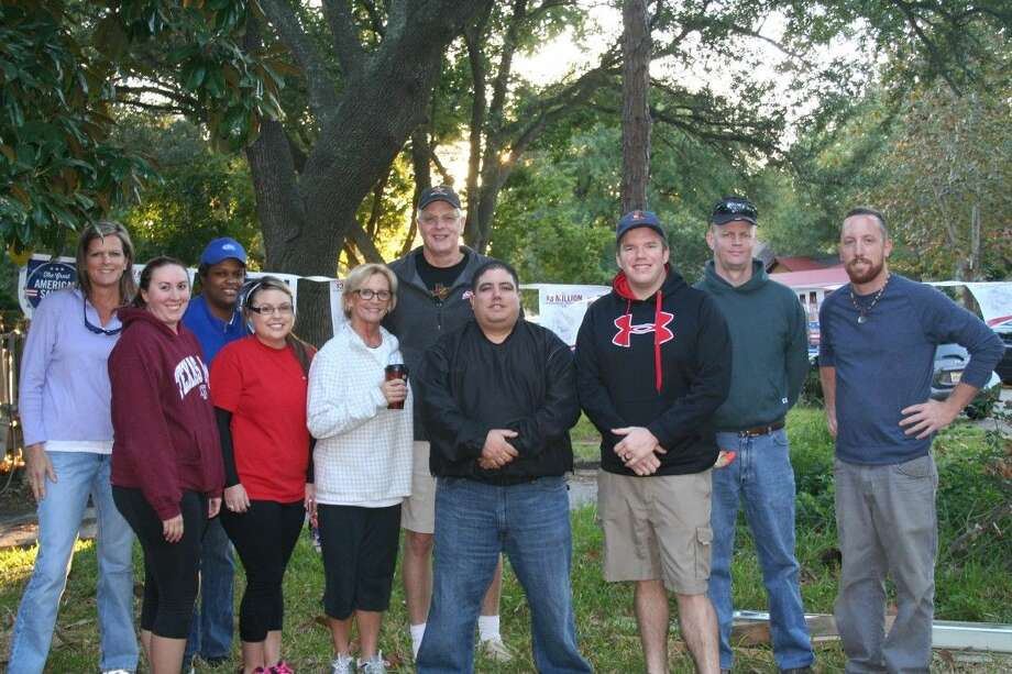 Del Papa employees and friends volunteered with Bay Area - Houston Habitat for Humanity on Nov. 1.