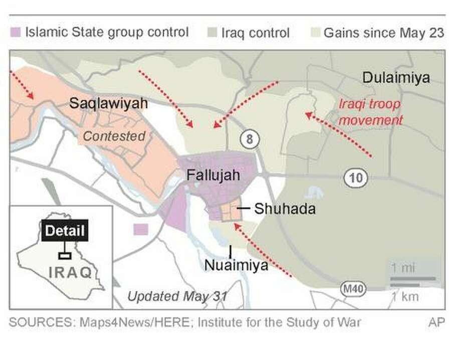 Iraq detains men fleeing IS-held Fallujah, raising tensions