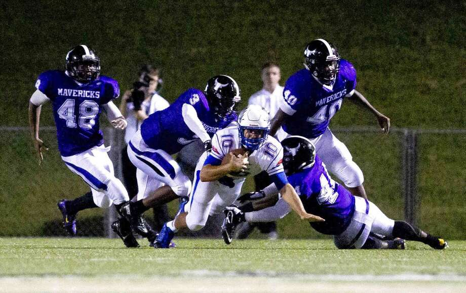 Morton Ranch clinched the final District 19-6A playoff spot with a 31-24 victory against Seven Lakes. The Mavericks will play in the Class 6A Division I bracket. Photo: Jason Fochtman