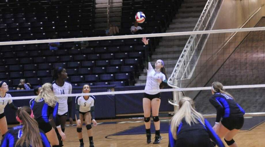 The Cypress Falls High School volleyball team defeated Katy Taylor on Nov. 5 to advance to the Region III-6A quarterfinal on Nov. 10 against Katy Seven Lakes. (Photo by Lexi Shaw / Cypress Falls HS)