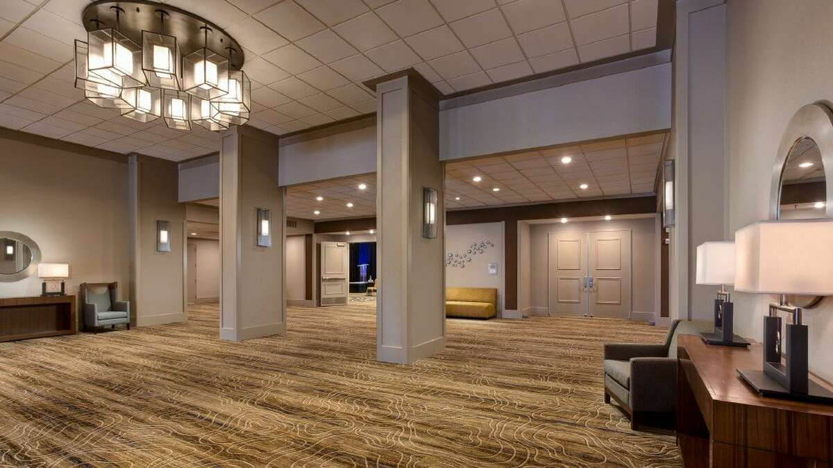 Houston Airport Marriott at George Bush Intercontinental began the New Year with a big celebration, designating the completion of its dramatic multimillion-dollar renovation of the 573-room hotel.