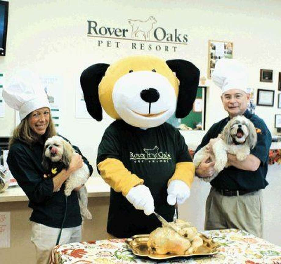 In 2007, Rover Oaks began serving homemade Thanksgiving turkey to the dogs and cats staying at their pet resorts, and five years ago co-owners Joy Lee and Steve Smith decided to expand the service to include pets at the shelter.