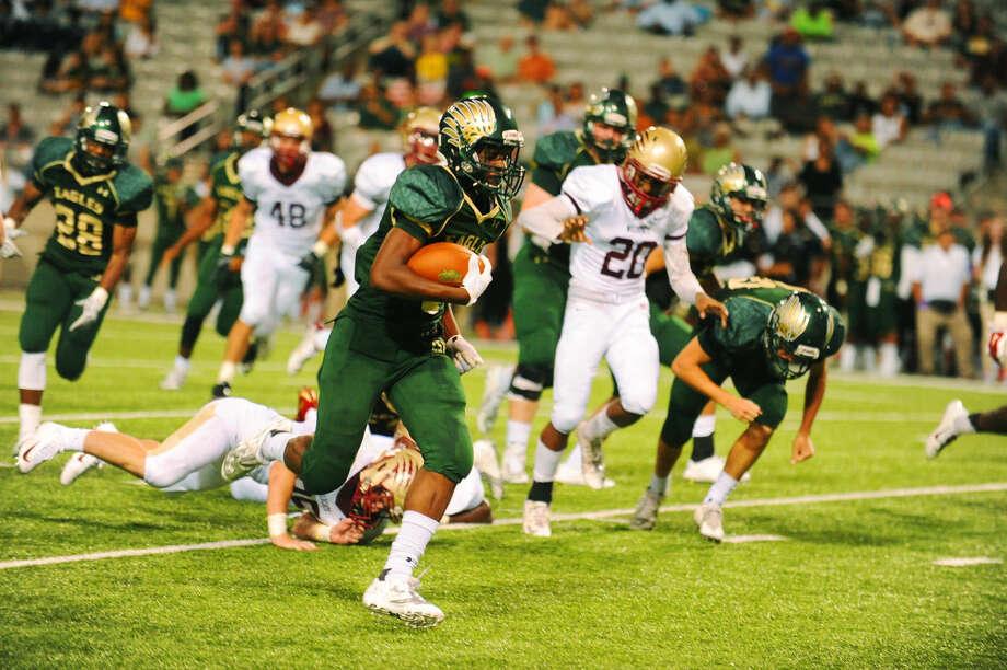 Cy Falls senior running back Shannon Vaughns Photo: Tony Gaines
