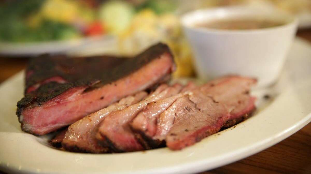 If you're not in the mood to wait in line at Killen's, grab some grub at Stockyard Bar-B-Q - a casual spot for finger lickin' fare on Westheimer near Voss Road.