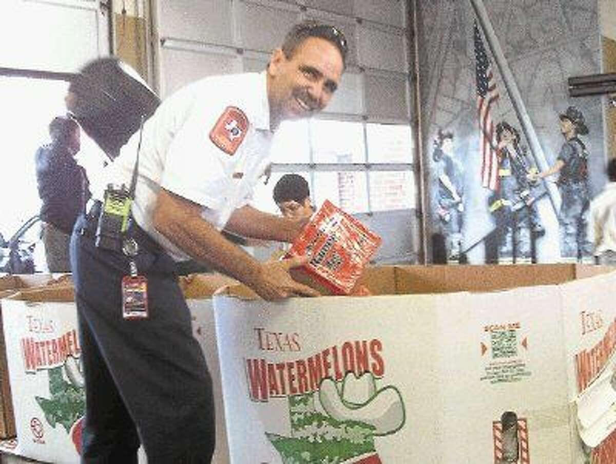 Missouri City's seventh annual Operation Thanksgiving food drive 2015 benefited Bethel Ministry, Second Mile Mission, and the Fort Bend Women's Shelter.