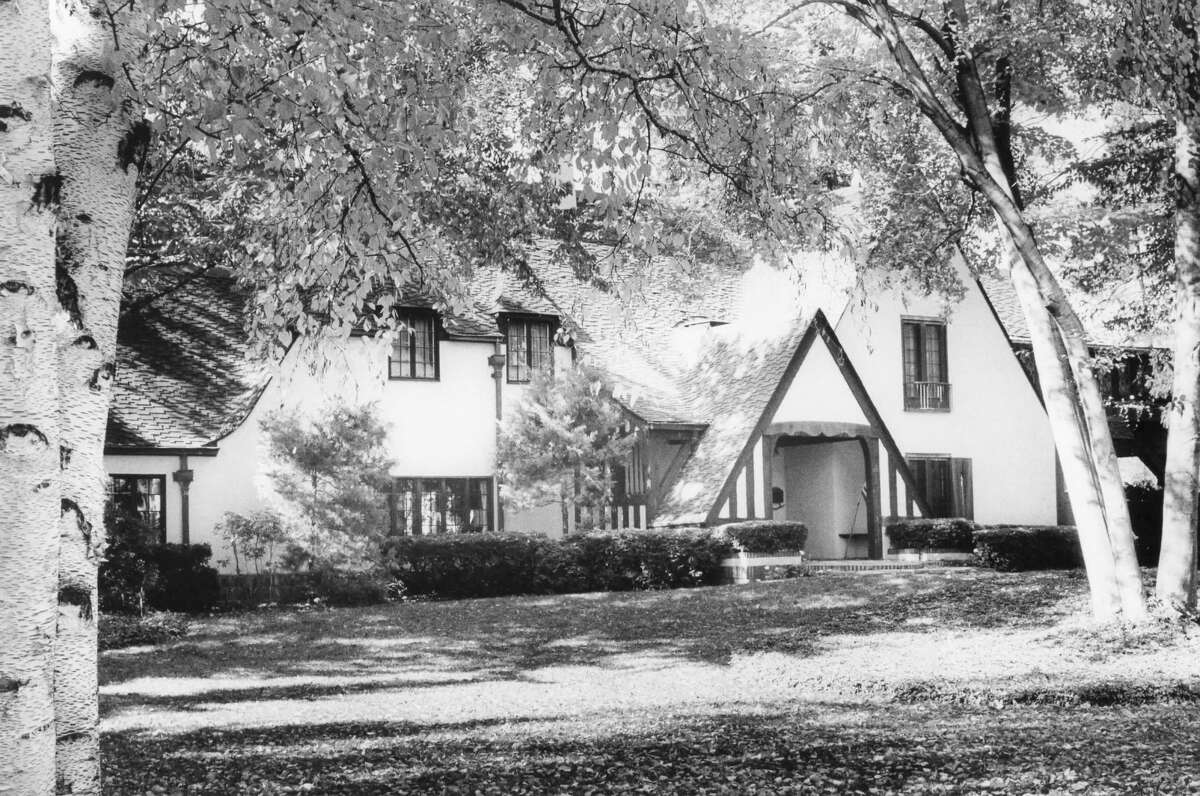 The Willard Dow House, 923 W. Park. 1926-1950 period. October 1978
