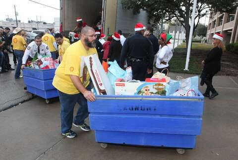 Harris County Sheriff's Office delivers toys to children at