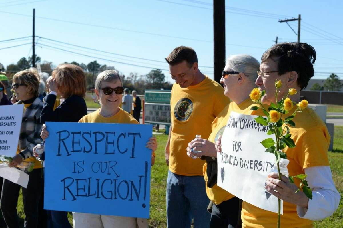 The church and mosque at 17503 El Camino are next door neighbors and members of BAUUC and eight other Unitarian Universalist churches throughout Houston hoped to send a positive message to the wider community.