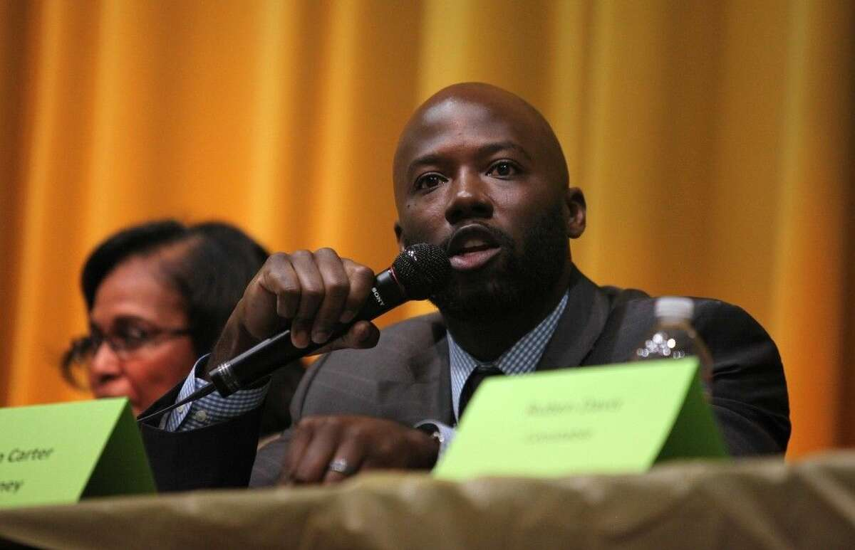 """Attorney Wilvin Carter speaks at Fort Bend County town hall meeting """"Getting Criminal Justice Right."""""""
