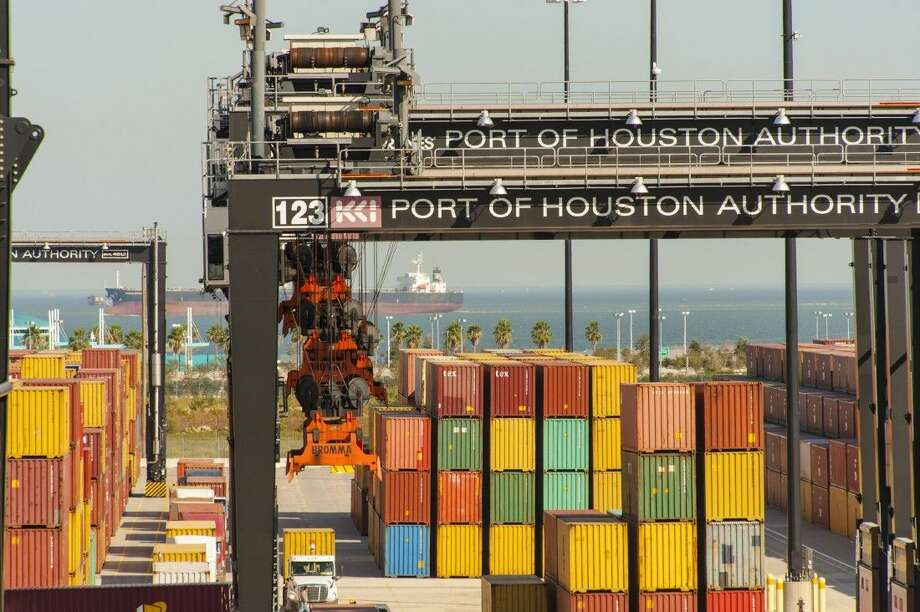 The Port of Houston Authority has surpassed 2 million twenty-foot-equivalent units (TEUs) handled for the year, setting a new record and solidifying its position as the leading container port on the U.S. Gulf Coast. Photo: Chris Kuhlman