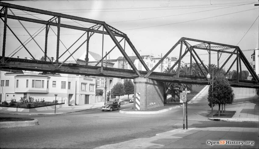 27th and Dolores circa 1937, SF & San Jose (Southern Pacific) Trestle, looking NE. Courtesy of OpenSFHistory.org.