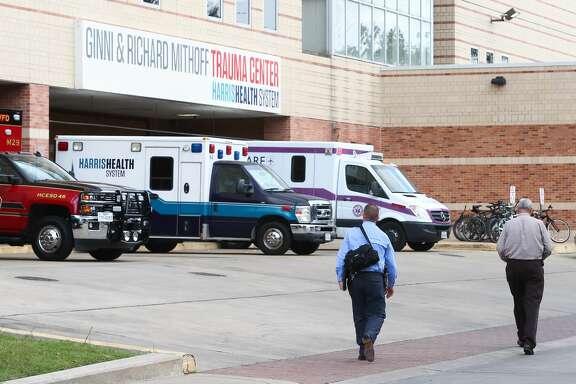 Authorities respond to a shooting inside Ben Taub Hospital, Thursday, Oct. 6, in Houston. ( Jon Shapley / Houston Chronicle )