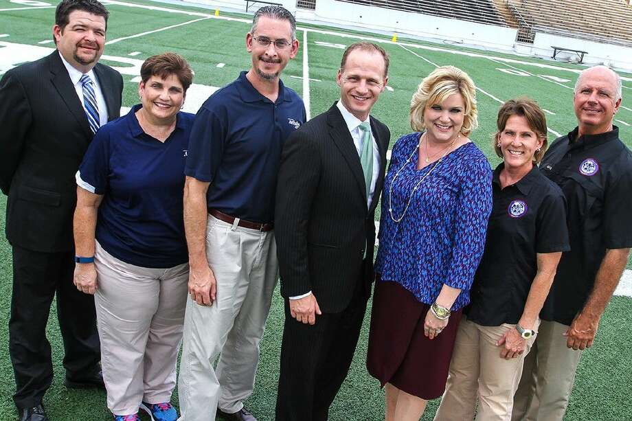 Pictured (from left to right): Houston Methodist St. John representatives Jace Duke, manager of athletic training services; Cathy Supak, outreach athletic trainer, Dr. Kevin Brooks, orthopedic surgeon; Dan Newman, CEO; and Pasadena ISD representatives Dr. DeeAnn Powell, superintendent; Jana Williams, assistant athletic director; and Randall Dugas, district athletic trainer.
