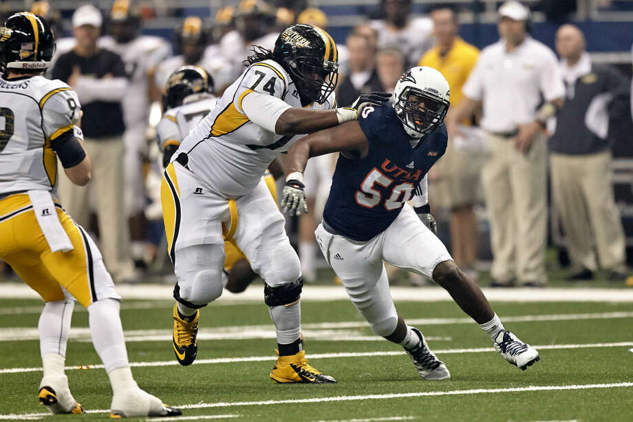 SAN ANTONIO, TX - NOVEMBER 13, 2014: The University of Southern Mississippi Golden Eagles fall to the University of Texas at San Antonio Roadrunners 12-10 at the Alamodome. (Photo by Jeff Huehn) Photo: Jeff Huehn
