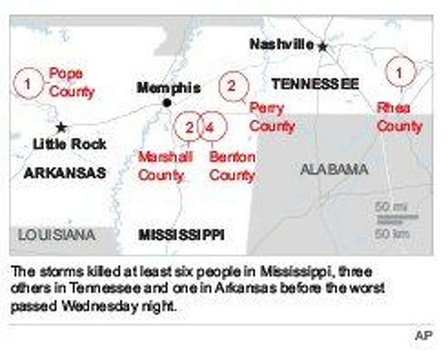 Christmastime tornadoes ravage South, killing at least 10