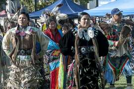 Dauwila Harrison and Karen Harrison (mother) at the 2009 Indigenous Peoples Day celebration in Berkeley.