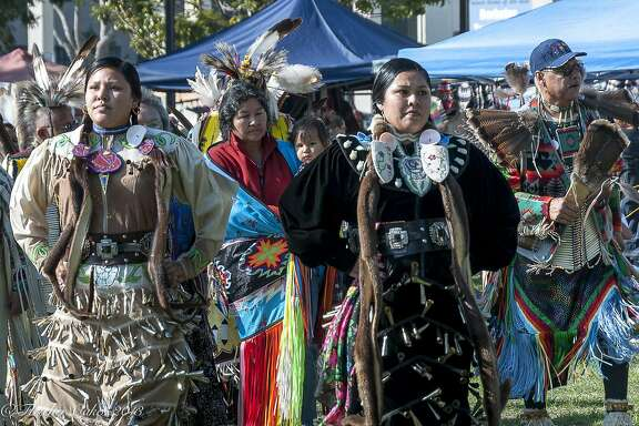 Dauwila Harrison and Karen Harrison (mother) at the 2009 Indigenous Peoples Day celebration in Berkeley.