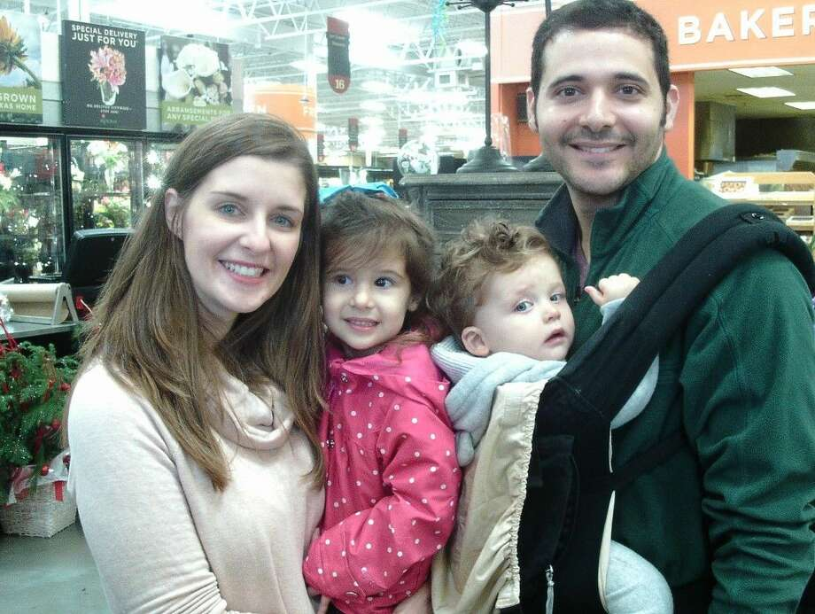 "Kelly and Michael Hanna, with their children, resolve to ""simplify"" in 2016."