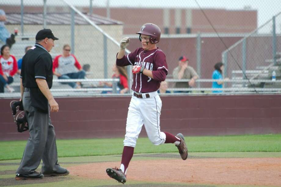 Pearland's Caleb Maly (3) was selected to the first team of the Texas Sports Writer's Association Class 6A all-state team. Photo: Kirk Sides
