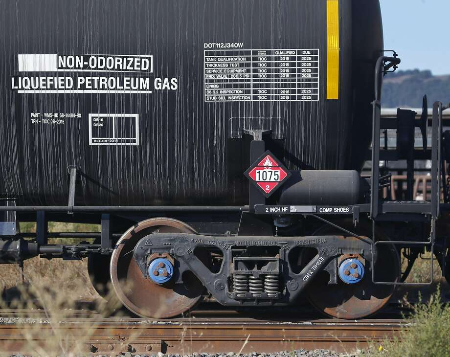 About 80 tanker cars containing hazardous petroleum products are parked on the tracks in Schellville. Photo: Paul Chinn, The Chronicle