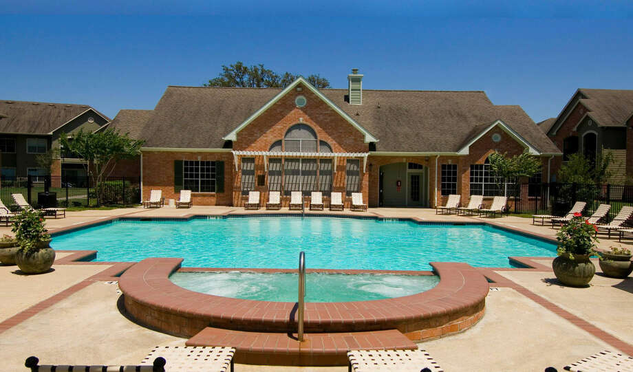 League City's Riverbend property part of six multifamily properties purchased by Crescent Real Estate in Texas, Florida, Illinois and Virginia. Photo: Crescent Real Estate