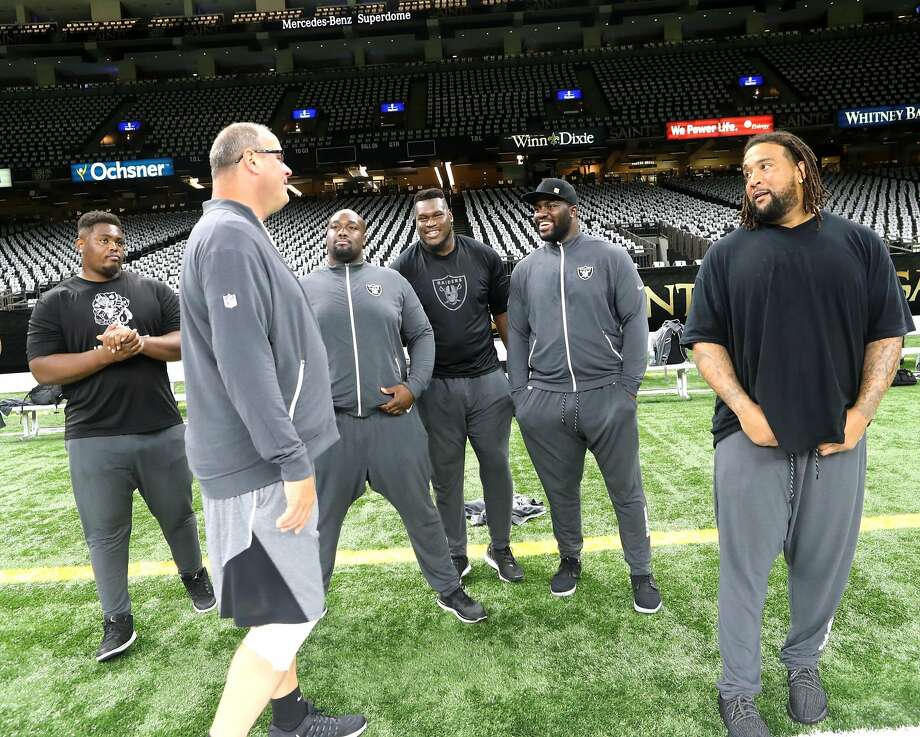 Offensive line coach Mike Tice knows when to put his foot down and when to ease up Photo: Vic Tafur, Tony Gonzales/Raiders