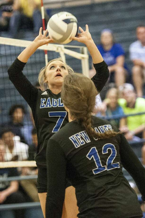 New Caney setter Kora Heine (7) is one of the Lady Eagles' top returners this season.