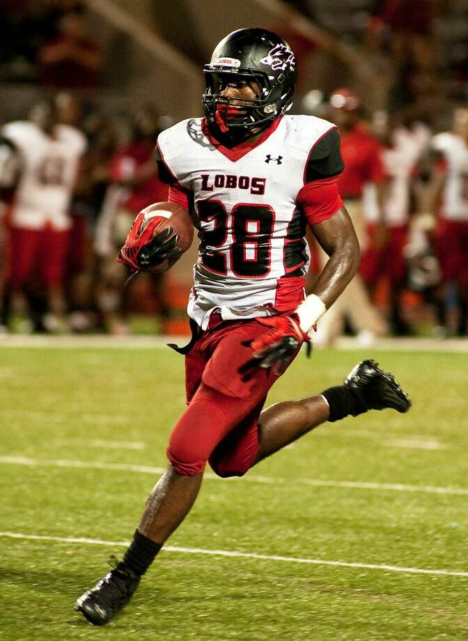Langham Creek running back Toneil Carter was the second-best rusher in District 17-6A as a junior. In his senior year, he promises to be a key cog in the Lobos' offensive machine and is a player to watch.