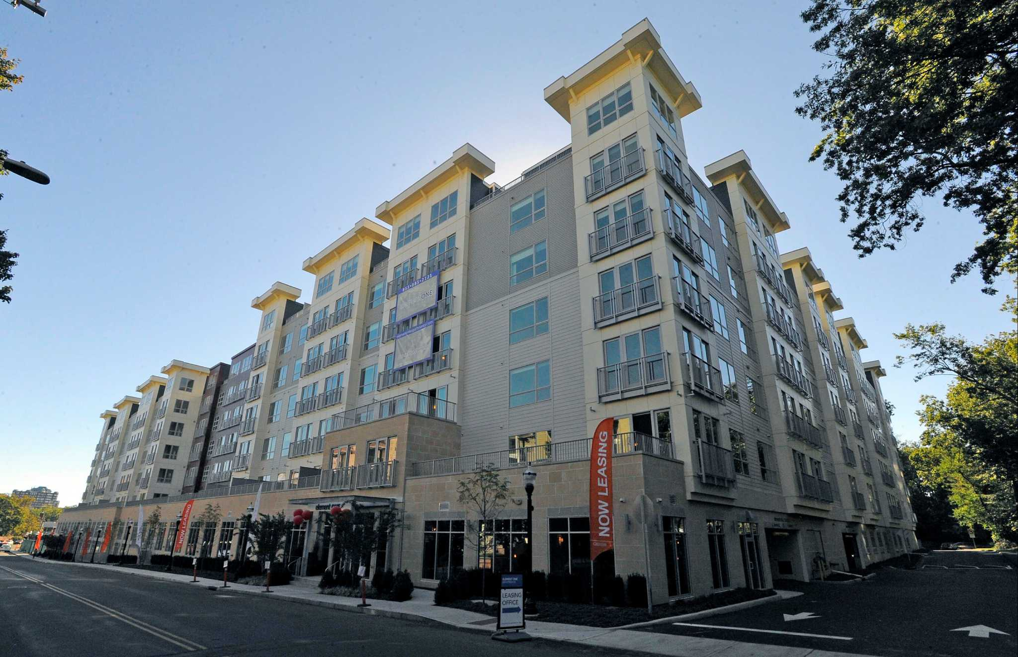 Stamford apartment building celebrates grand opening