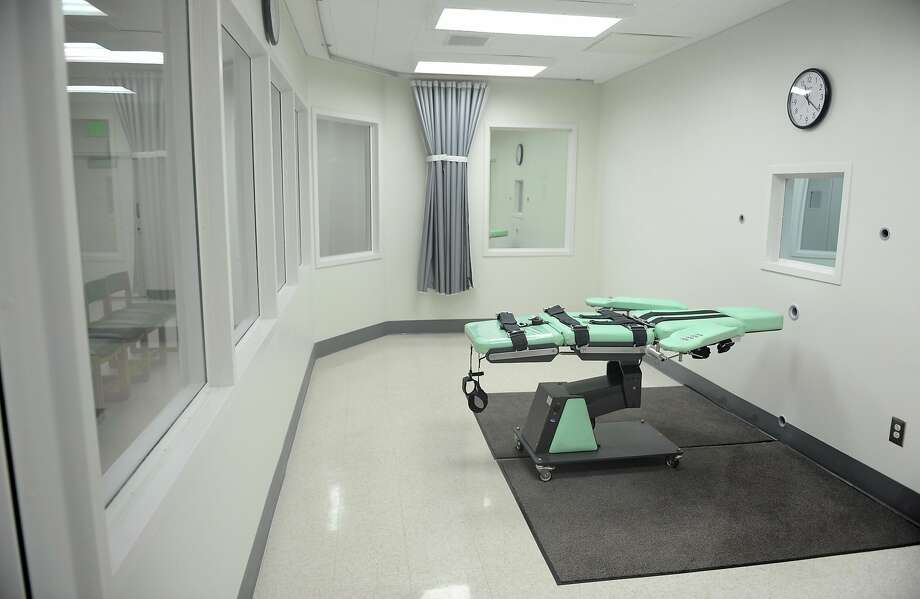 A view of the lethal injection chamber at San Quentin State Prison in a September 2010 file image. Support for the death penalty, which peaked in the mid-1990s, has dropped to a four-decade low, according to new study. (Wally Skalij/Los Angeles Times/TNS) Photo: Wally Skalij, TNS