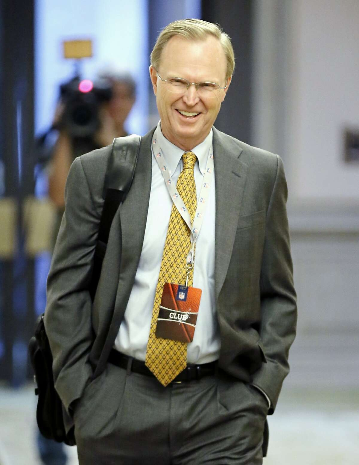 New York Giants owner John Mara arrives for an NFL owners meeting in Irving, Texas, Wednesday, Dec. 2, 2015. (AP Photo/Brandon Wade)