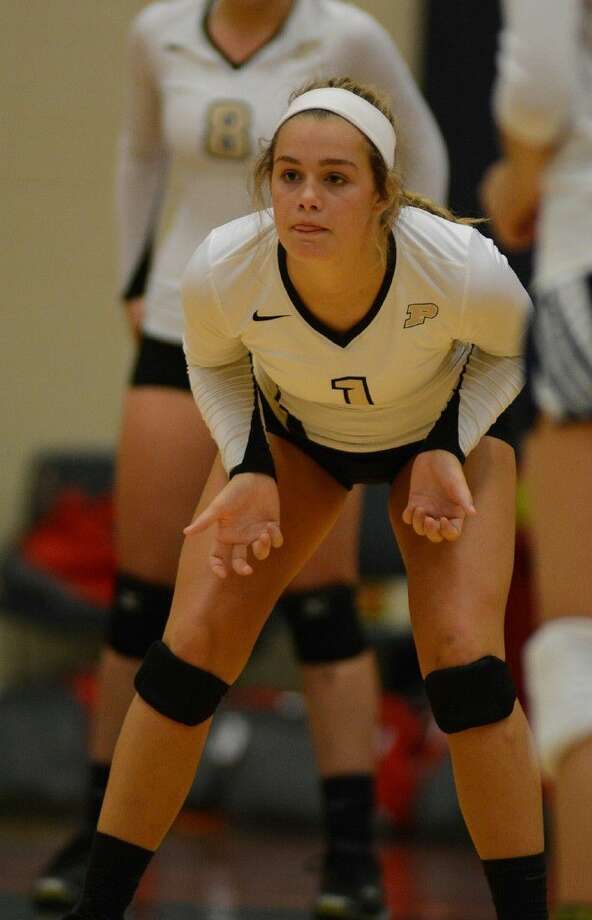 Porter 5'7 junior setter Madalyn Moore works against St.Thomas Episcopal at Pearland Dawson High School at the 2015 Adidas Texas Volleyball Invitational on Thursday, Aug. 13, 2015. Photo: Jerry Baker