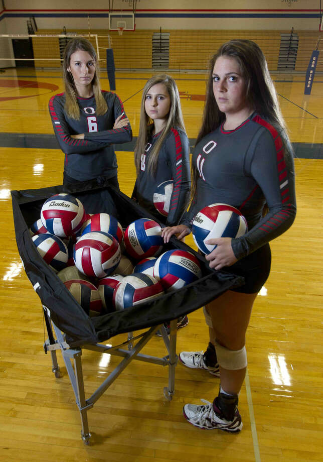From left to right: Molly Russell, Raigen Cianciulli and Carly Graham are looking to lead Oak Ridge back to the state tournament. Photo: Jason Fochtman