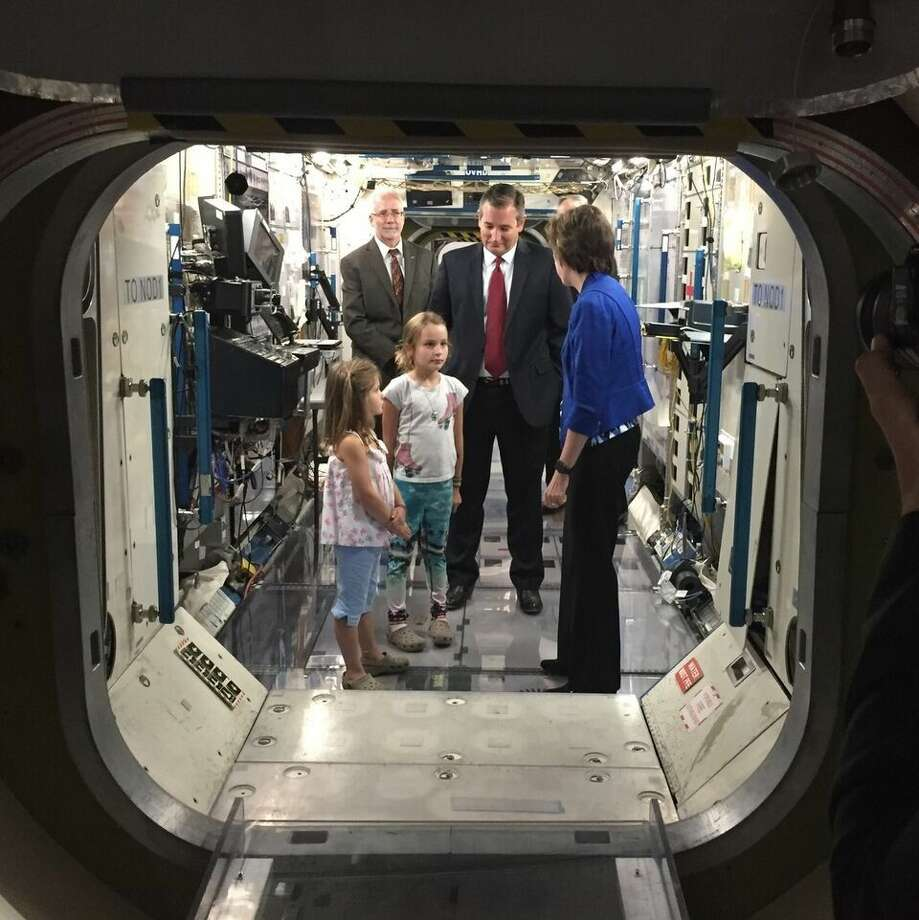 U.S. Sen. Ted Cruz (R-Texas) today visited with space industry leaders in Houston from the Bay Area Houston Economic Partnership (BAHEP) and National Aeronautics and Space Administration (NASA). Following a roundtable discussion, Sen. Cruz toured NASA's Johnson Space Center.
