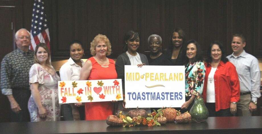Mid-Pearland Toastmasters is hosted by the Pearland Chamber of Commerce. Meetings are every Monday in the beautiful Commerce Center, 6117 Broadway St, Pearland, 77581. Meetings begin at precisely noon and go to 1 p.m., to facilitate the time constraints of our business members.