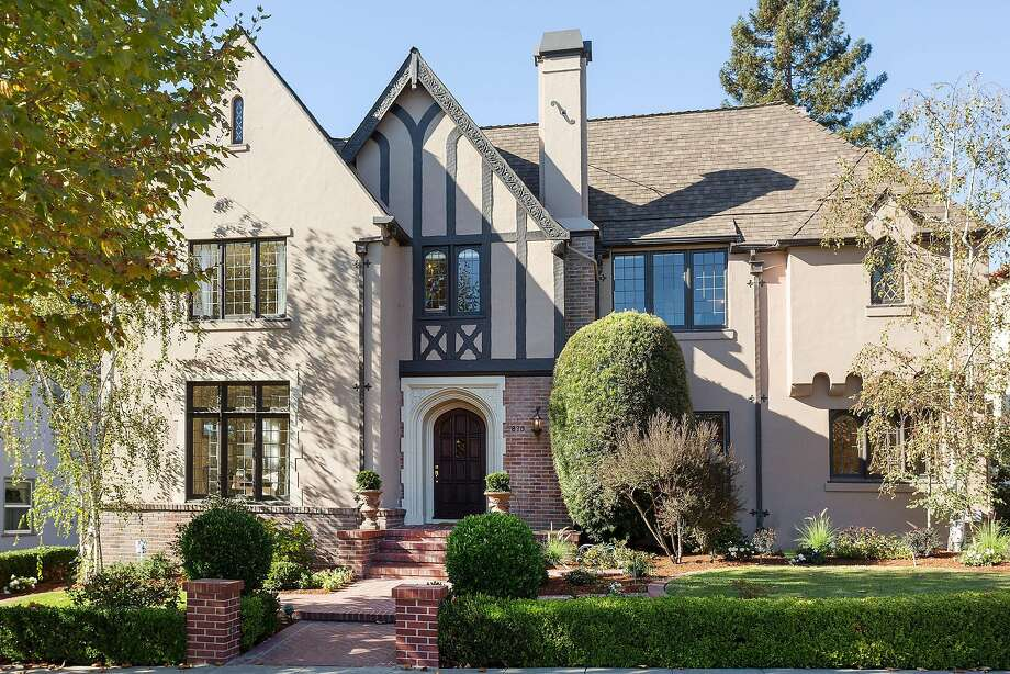870 Longridge Road is a grand Tudor in Crocker Highlands listed for $1.749 million. Photo: Liz Rusby / The Grubb Co.