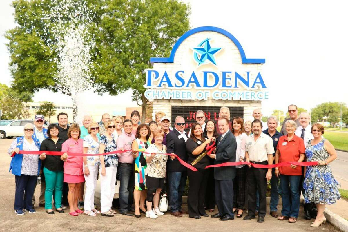 On Friday, August 12, 2016, The Pasadena Chamber of Commerce held its new brand launch ceremony on the porch steps of the Pasadena Chamber. The event allowed for Chamber and City leaders to unveil the new brand identity for the Chamber.