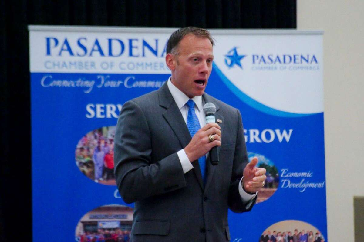 Texas Railroad Commissioner Ryan Sitton speaks during a Pasadena Chamber of Commerce luncheon at the East Harris County Activity Center on Thursday, Aug. 18.