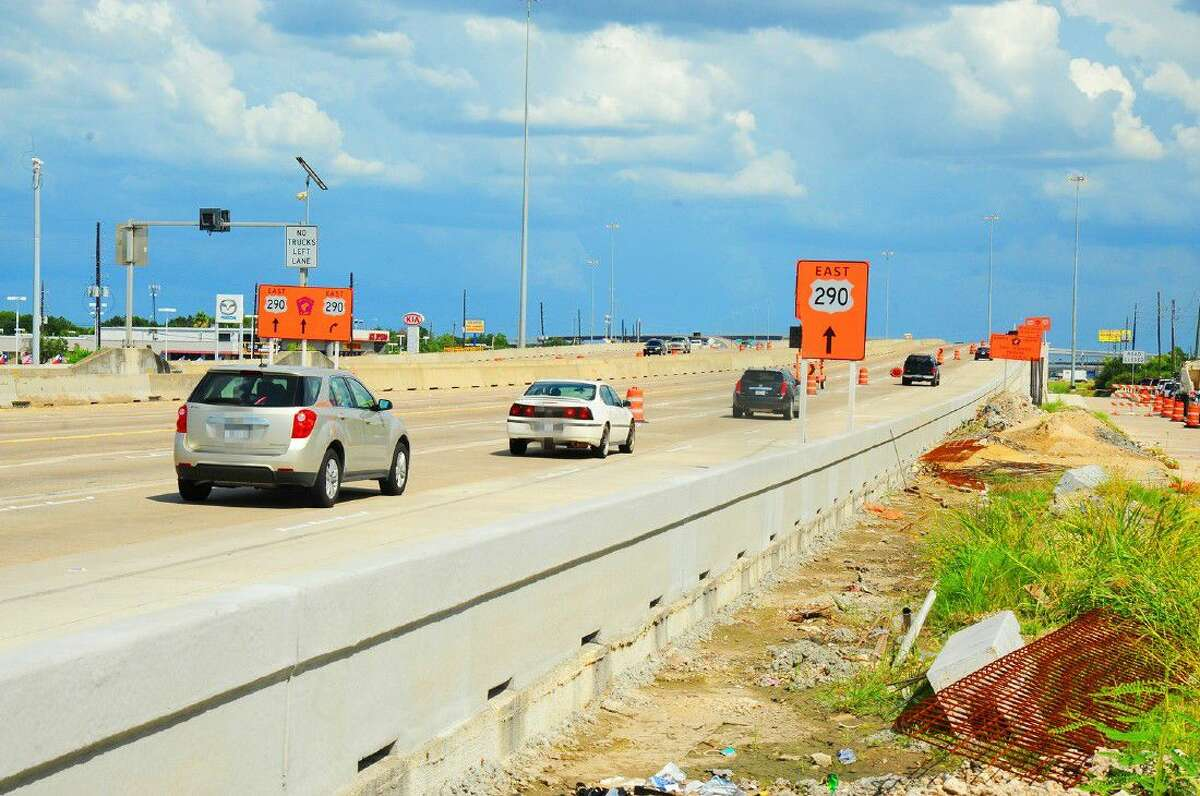 Currently, construction is occurring on all 13 U.S. Highway 290 Corridor's projects. TxDOT plans to complete all construction of all 13 U.S. 290 Corridor's projects by late 2017.